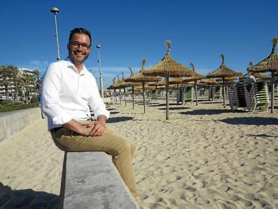 José Hila besucht die Playa de Palma