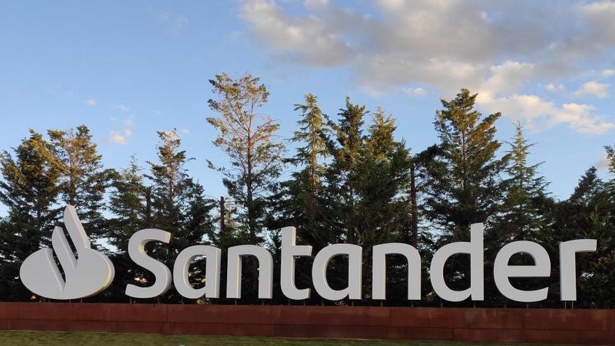 Banco Santander plantea un ERE para 4.000 empleados y la reubicación de otros 1.100