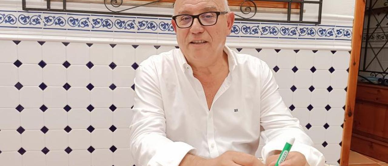Francisco Borrás, exdirector comercial de Anecoop que ejerce como consultor tras su jubilación, durante la entrevista. | PASCUAL FANDOS