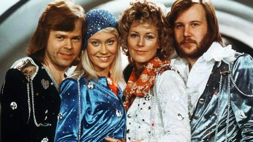 ABBA vuelve a los escenarios adaptándose al coronavirus