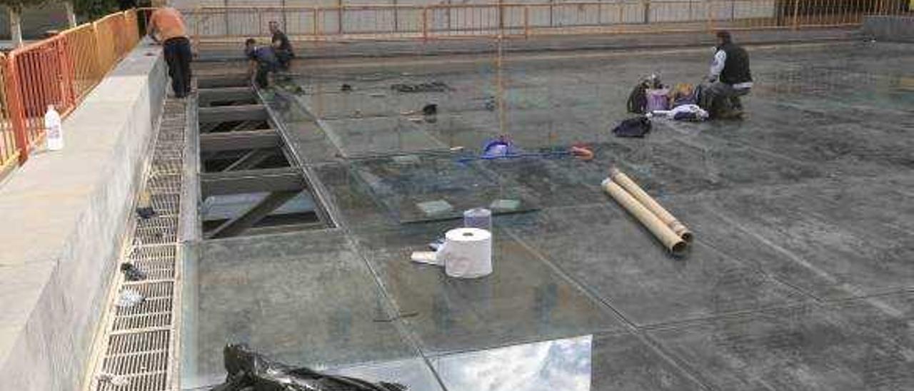 El agua volverá a l'Almoina tras la reparación del lucernario