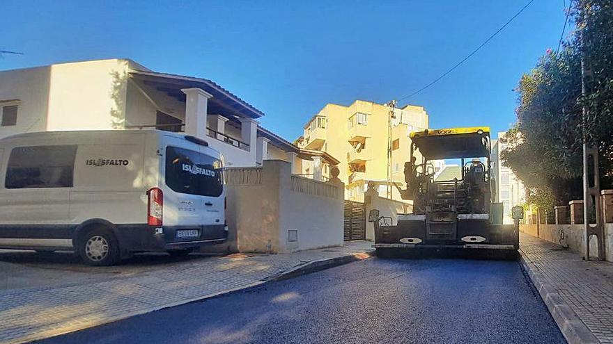 Vila invierte 800.000 euros en asfaltar 15 calles del municipio
