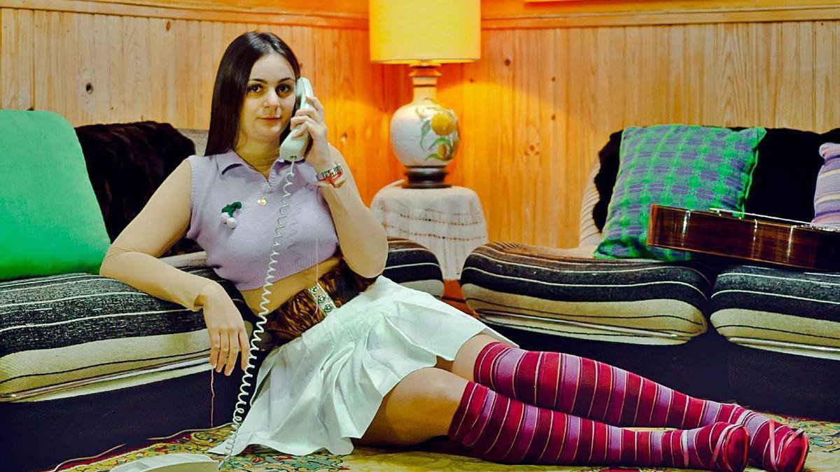 Una joven de Arcenillas que ha participado en esta original sesión de fotos. | Sergio Penas | S. P.