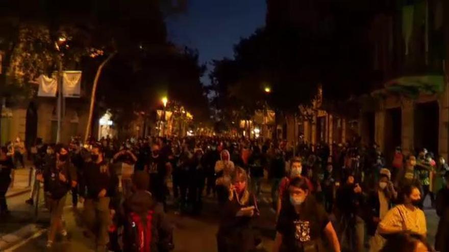 Los CDR se manifiesan en Barcelona tras la inhabilitación de Quim Torra