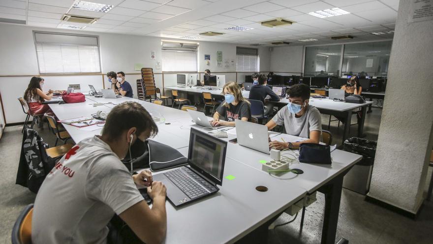 Los estudiantes de Ingeniería y Telecomunicaciones se quejan de discriminación