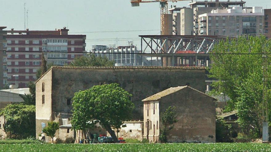 El alcalde busca un acuerdo con un promotor para salvar la Alquería Serra