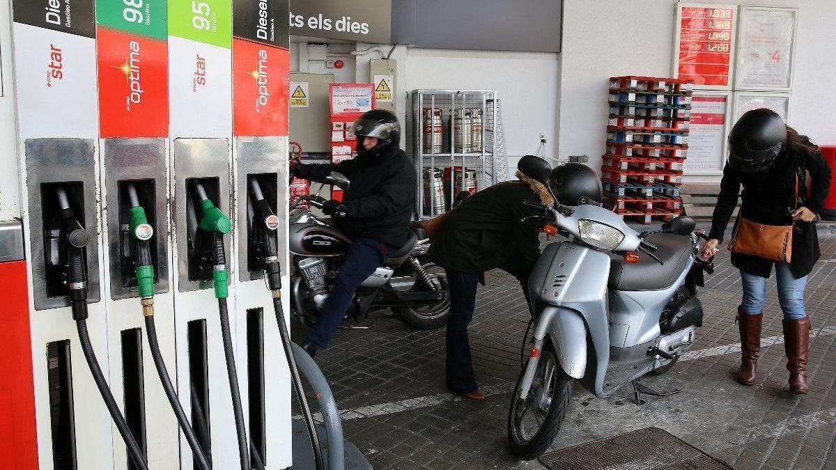 Cepsa se alía con Amazon para impulsar una aplicación de voz que localice sus gasolineras