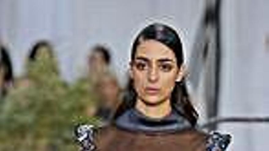 Chanel se impregna de estética monacal