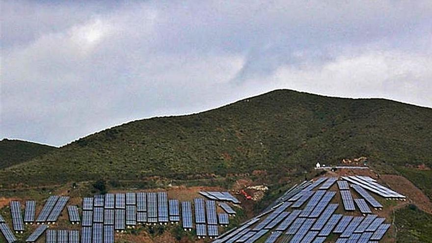 La Diputación pide una moratoria por el aumento de parques solares