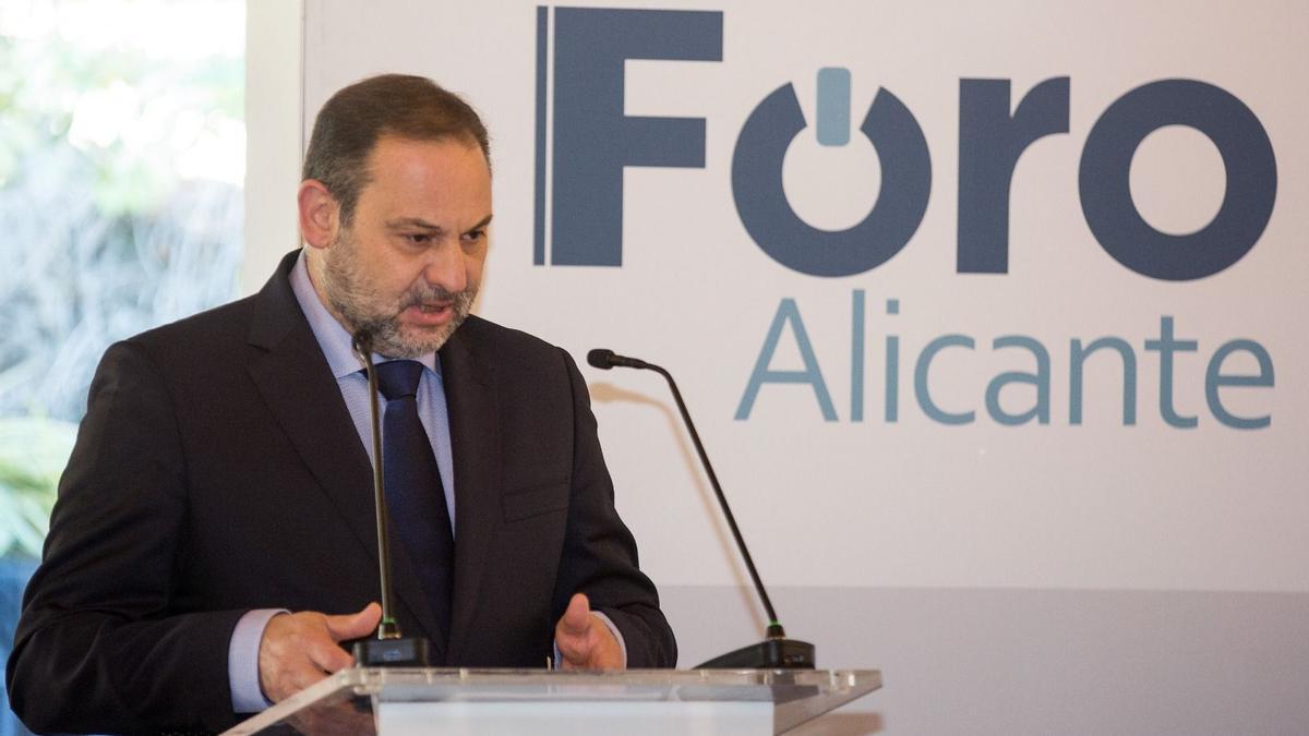 José Luis Ábalos en el Foro Alicante