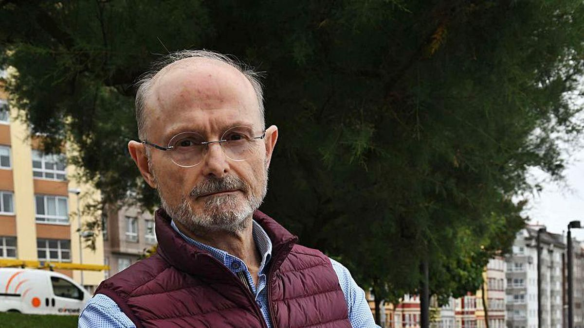 El historiador Alfredo Vigo, ayer en A Coruña.
