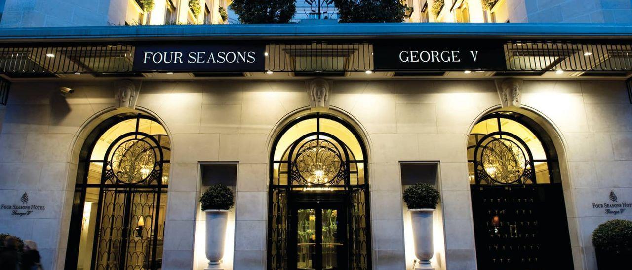 El convoy salió del hotel parisino George V cuando fue asaltado