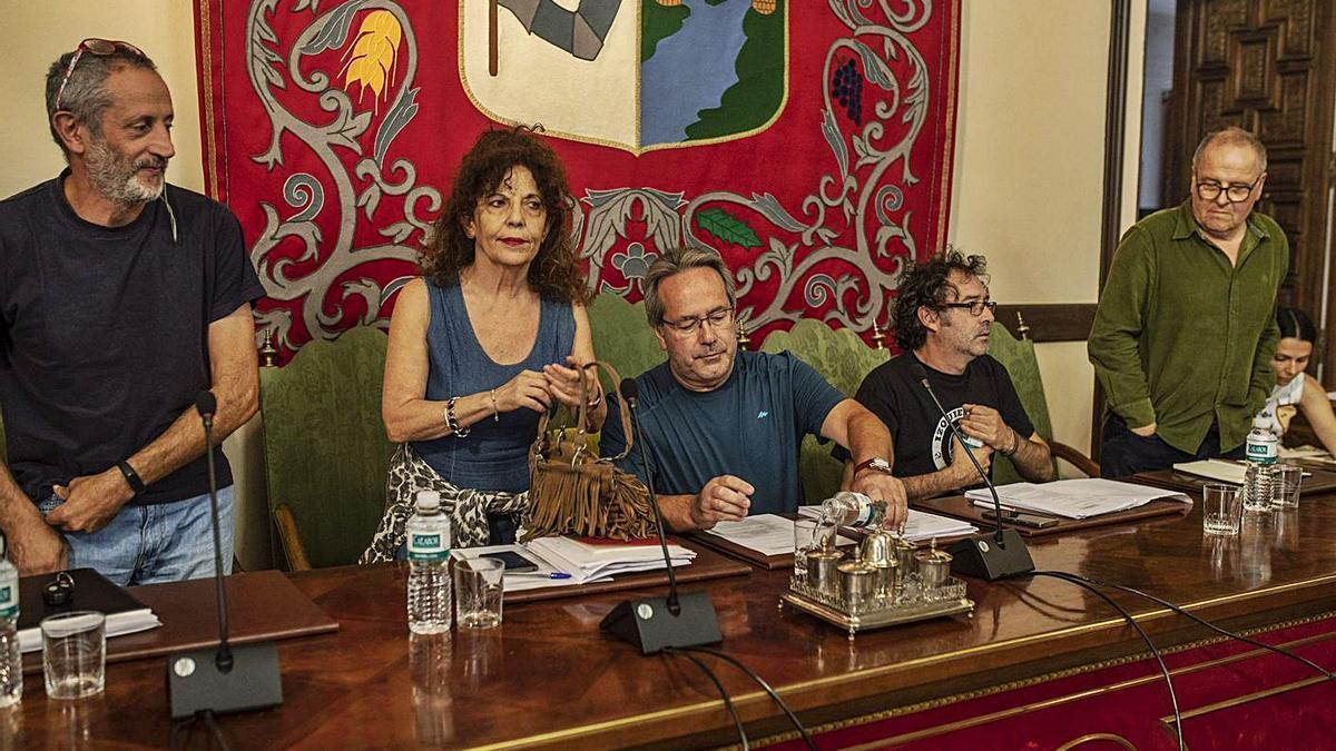Parte del equipo de Gobierno, en un Pleno previo a la pandemia.   Emilio Fraile