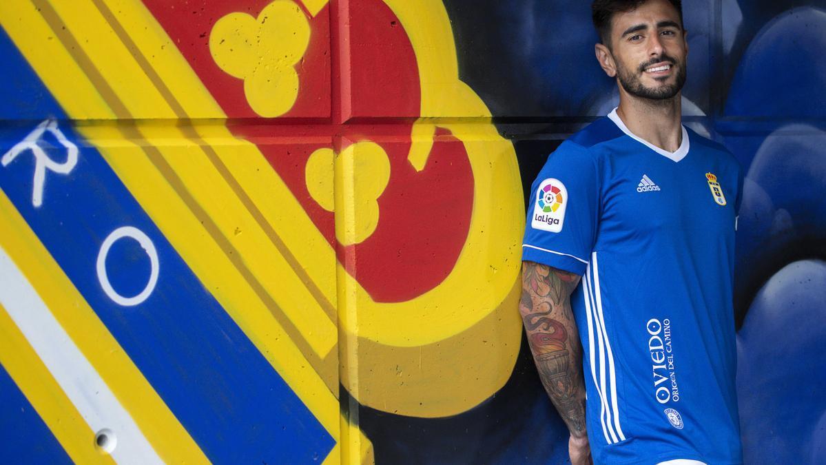 Así luce la nueva equipación del Real Oviedo
