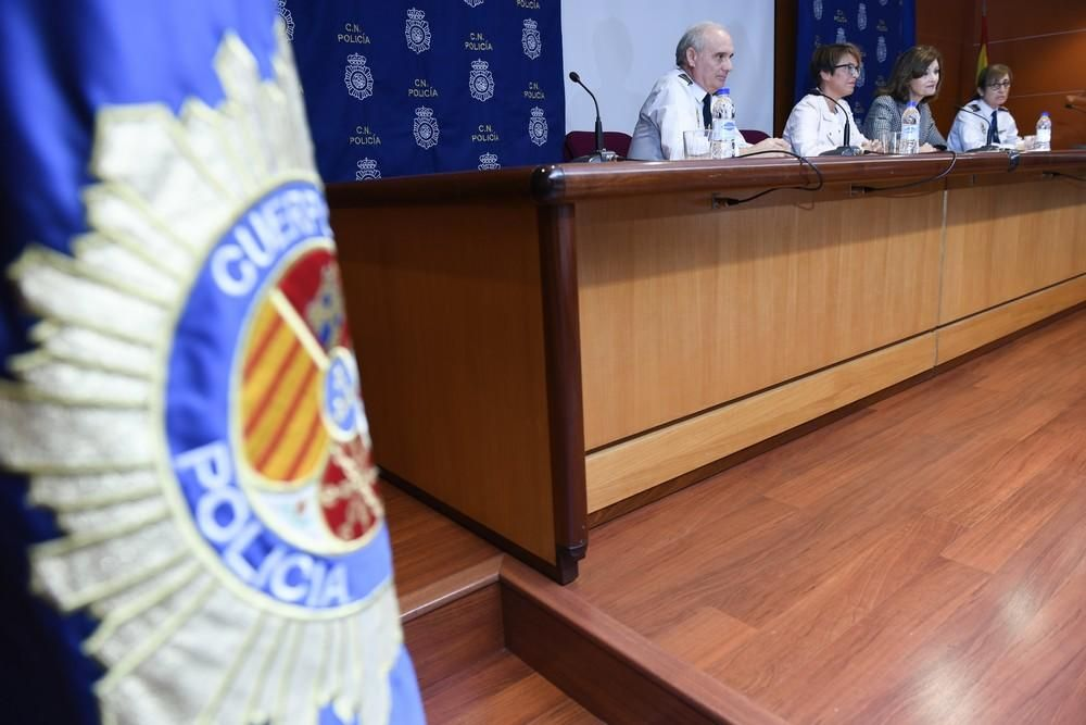 Visita de la secretaria de Estado de Seguridad, Ana Botella
