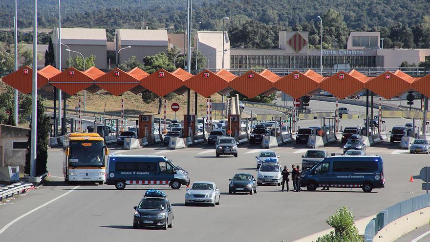 França mantindrà les restriccions a la frontera almenys fins al 15 de juny