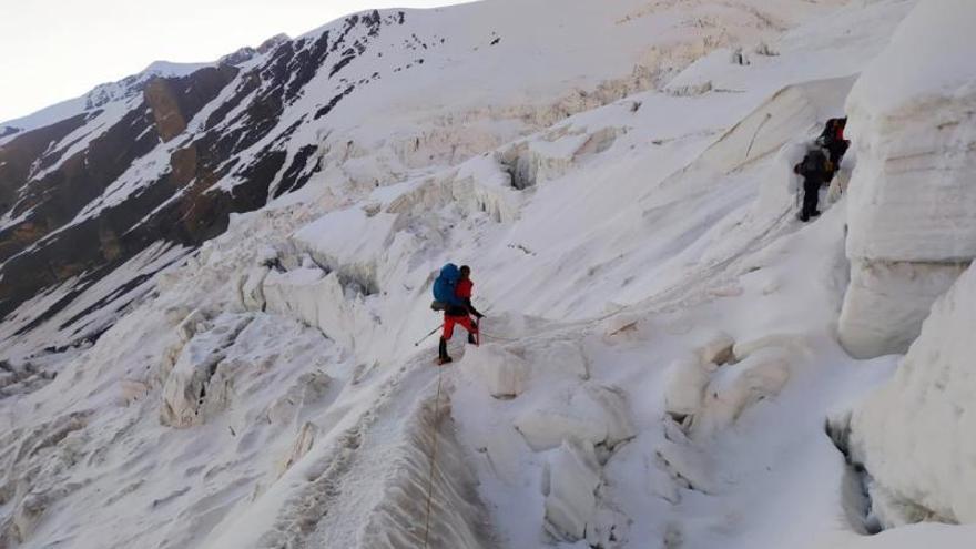 Dos escaladores de la Font ascienden 6.100 metros del pico Lenin, en Asia