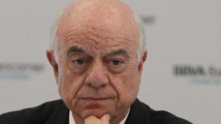 González pide que los nuevos proveedores compitan en igualdad con la banca
