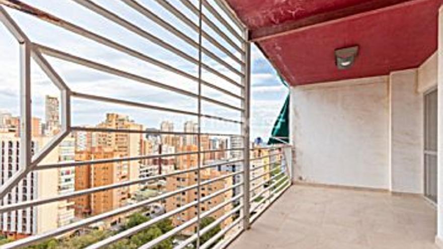 59.260 € Venta de piso en Benidorm 40 m2, 1 habitación, 1 baño, 1 aseo, 1.482 €/m2, 13 Planta...