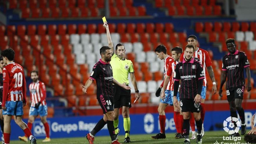 El Tenerife encaja su primera derrota liguera del año