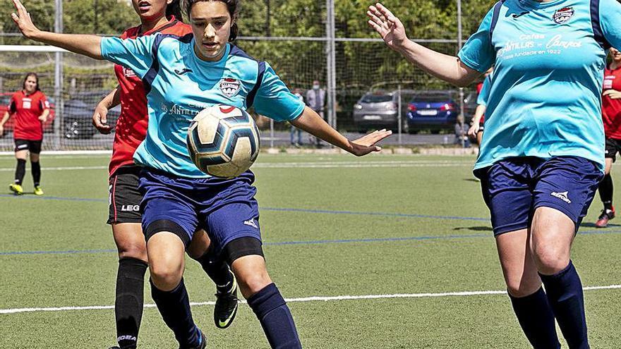 La Escuela de Fútbol Femenina Rosalía se suma a la Liga Gallega Cadete