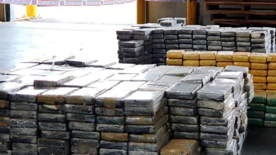 Comissen més de mil quilos de cocaïna en un vaixell atracat al port de Barcelona