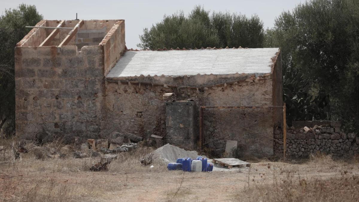 Finca del Camí de na Bubota, en Algaida, donde ayer tuvo lugar el trágico accidente doméstico.