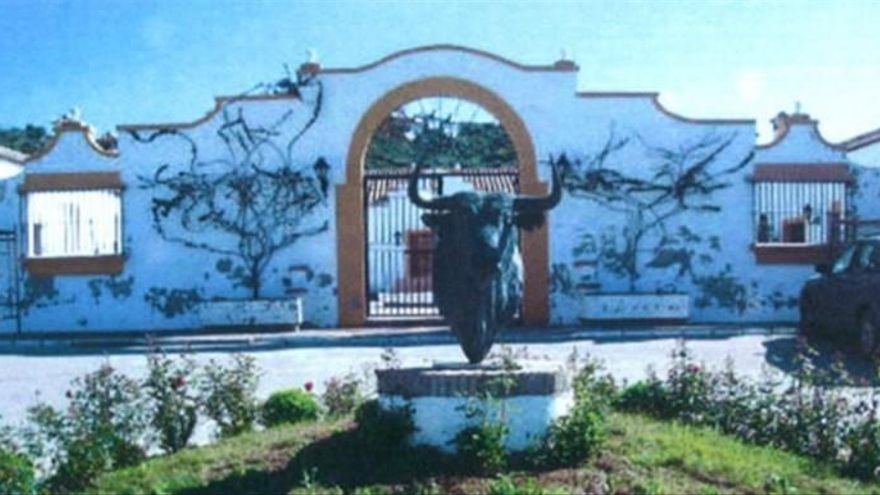 Autorizan la venta de una finca de Juan Antonio Roca