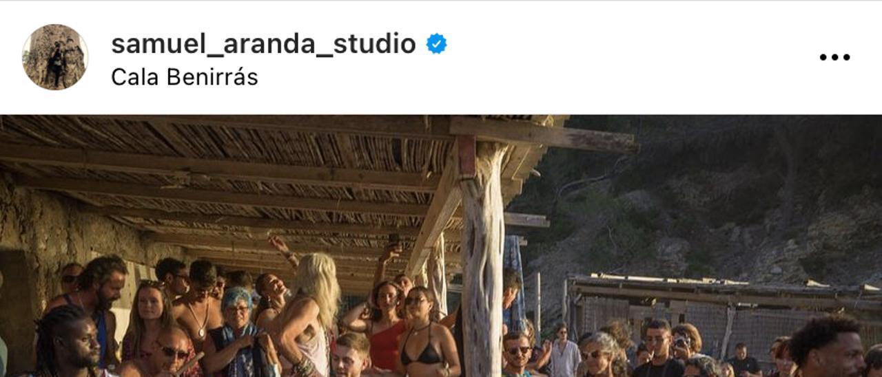 Decenas de personas se congregan en Benirràs sin mascarillas ni distancia
