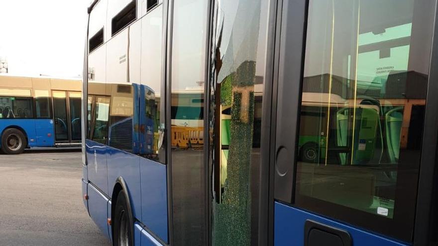 Incidentes en el tercer día de huelga indefinida  en la EMT
