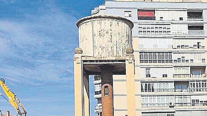 Apidma critica la demolición de los dos depósitos de agua del puerto