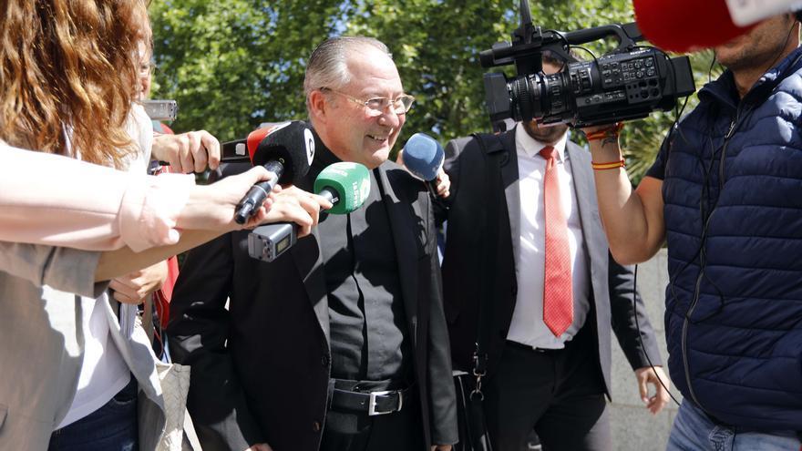 Un jutjat de València arxiva la causa de la visita del papa en la qual estaven imputats Camps i un bisbe