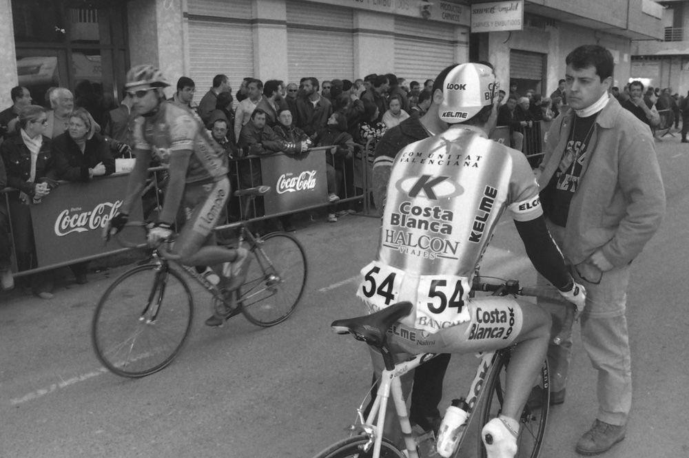 Hace 20 años en Sagunt. Así vivimos el paso de la Vuelta Ciclista a España de Casero, Pantani, Zule y Olano