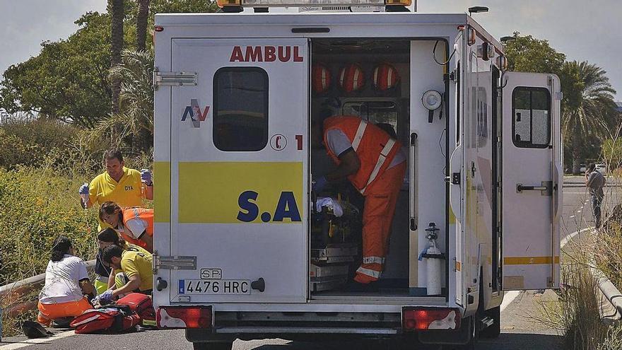 La falta de médicos provoca que los SAMU atiendan  las emergencias sin facultativos