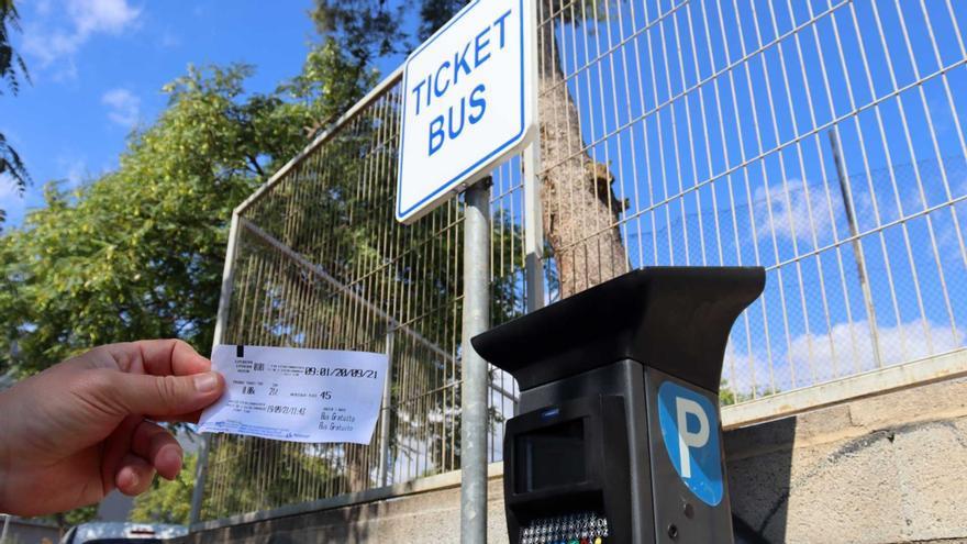 Los conductores que estacionen en los parkings disuasorios de Benidorm tendrán autobús gratis