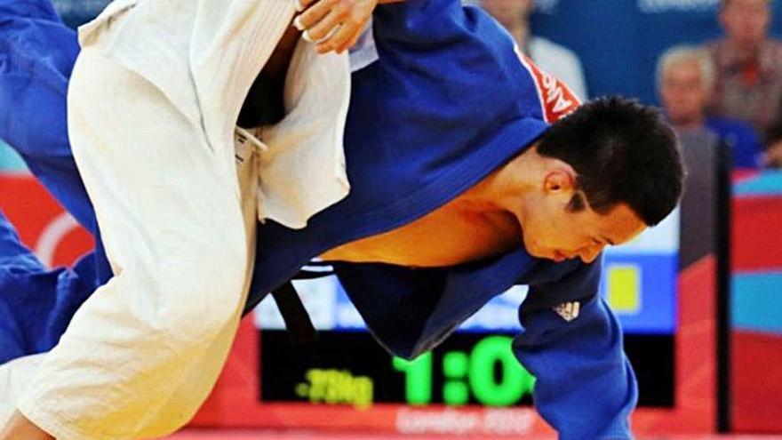 Detienen a un medallista olímpico por agresión sexual