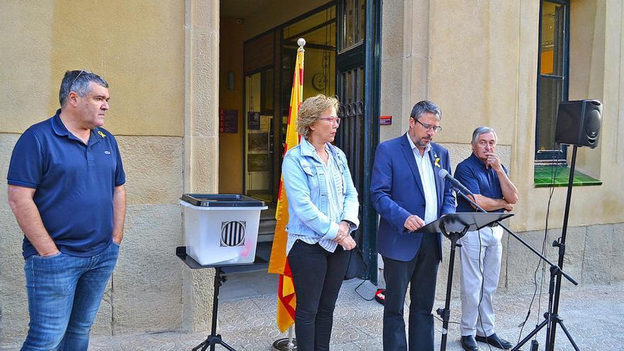 Súria celebra l'1 d'Octubre amb plaques simbòliques als col·legis electorals