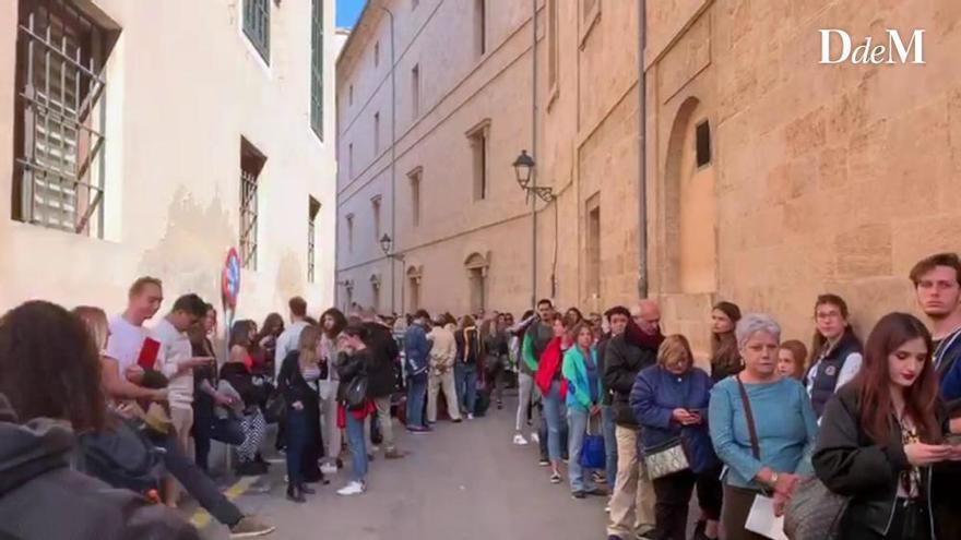 Hunderte Mallorquiner wollen zum Netflix-Casting