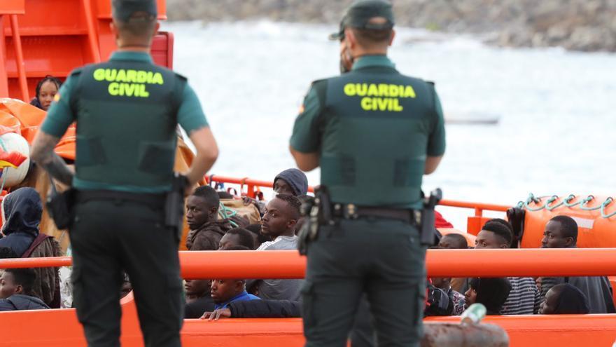 En el último día de abril llegaron a Canarias 263 migrantes en cayuco