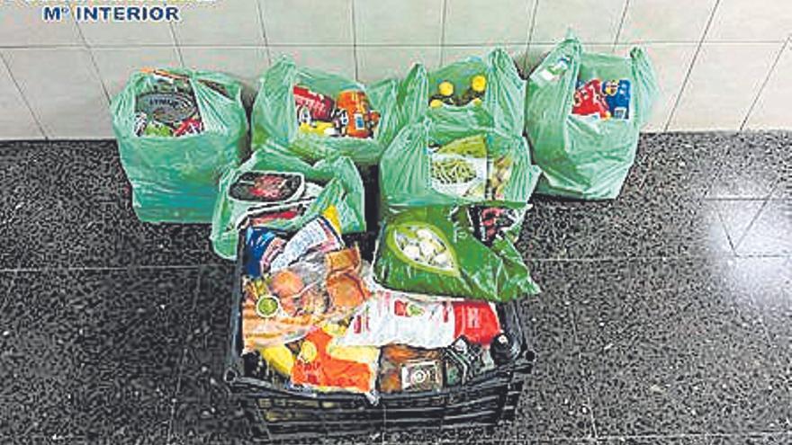 Arrestado tras robar bolsas de comida en un supermercado