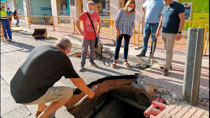 El socavón obligará a restaurar la acequia del Barranquet en la Vall