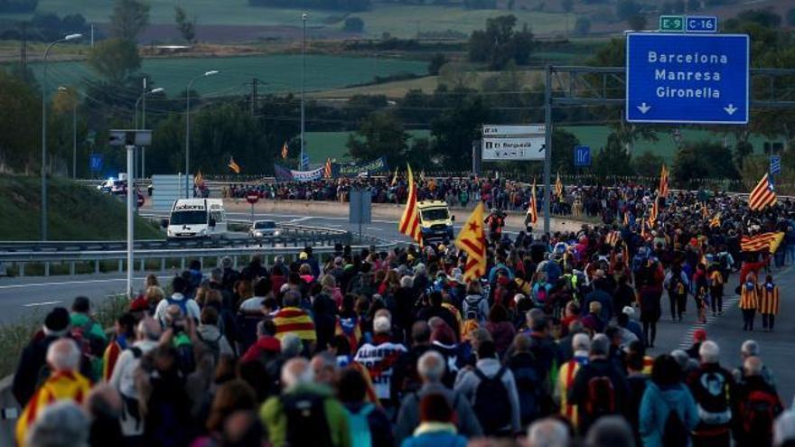 """Las """"Marchas por la libertad"""" cortan 6 carreteras"""