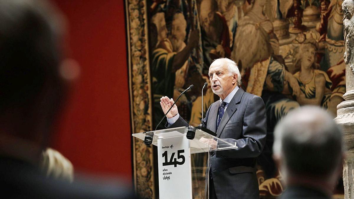El director de Ibercaja Banco, José Luis Aguirre, durante su intervención en el acto del 145 aniversario