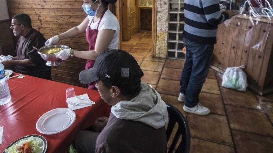 El PSOE pide que no se restrinjan los vales de alimentos en centros sociales