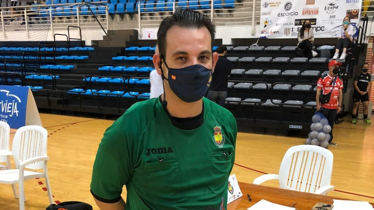 Daniel Orts, tras trece años ininterrumpidos en 1ª Nacional junto a Alberto Bolea, deja el arbitraje en activo para dedicarse plenamente al Comité Técnico de Árbitros de la Federación Valenciana.