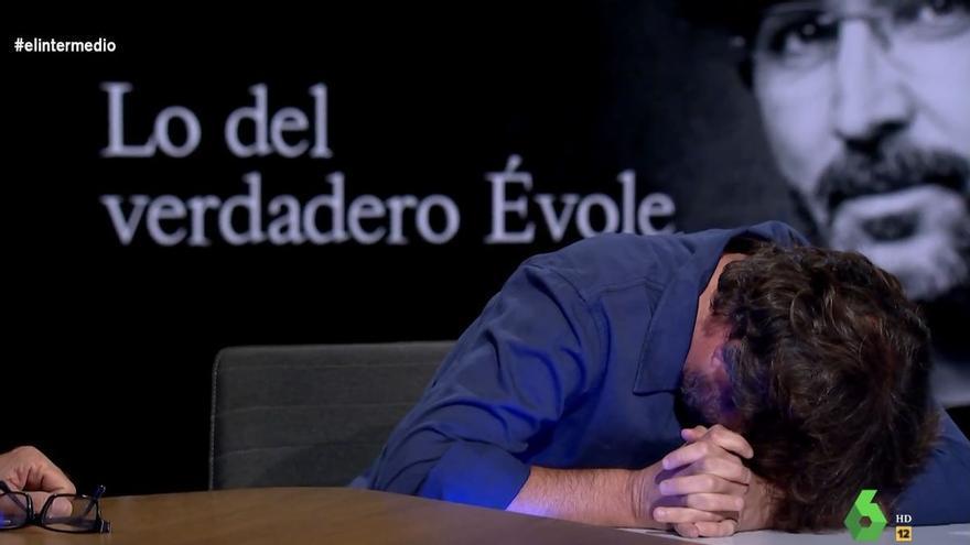 """Jordi Évole sufre otro ataque de cataplexia frente a Wyoming: """"Me vas a joder el programa"""""""