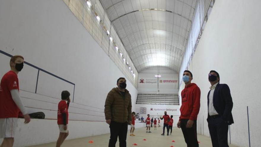 Culminan las obras en la cubierta del trinquet de Ontinyent con 50.000 euros