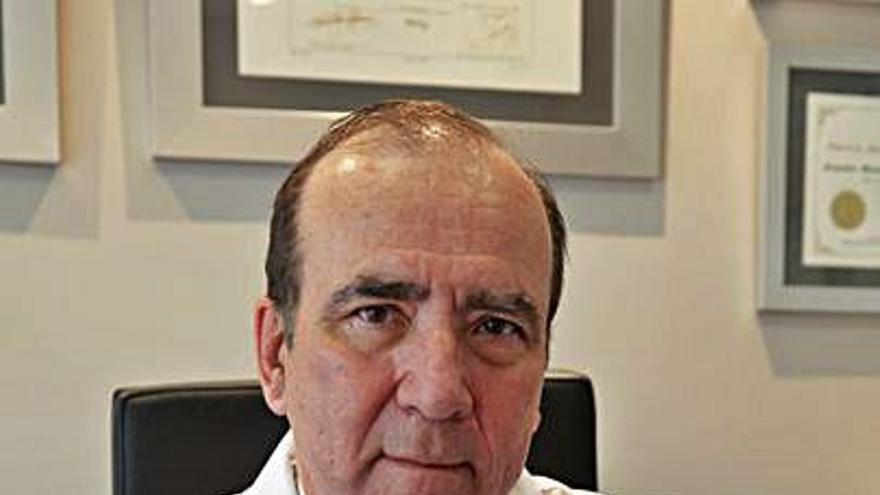 Francisco Menéndez-Graíño ingresa hoy en la Real Academia de Medicina