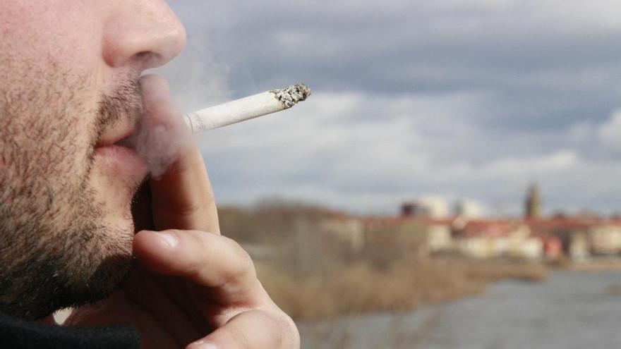 La venta de tabaco se reduce un 52,96 % en quince años