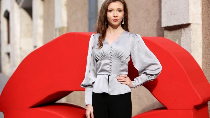 """La actriz Ece Yüksel asiste a la presentación de la película de la Sección Oficial """"Cuento de tres hermanas"""", de Emin Alper"""